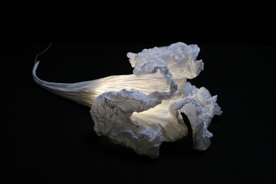 Fleur aquatique lampe à poser blanche. Les artisans d