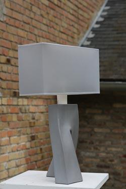 Lampe Ballade Archi pied en céramique grise . Les artisans d'art.