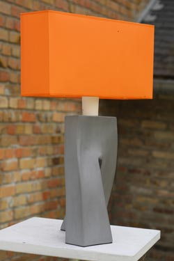 Lampe Ballade Clémentine, pied en céramique grise  . Les artisans d'art.