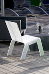 Chaise de jardin altuglas blanc . Acrila.