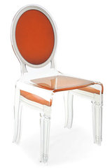 Chaise médaillon baroque en plexiglas Sixteen motif orange. Acrila.