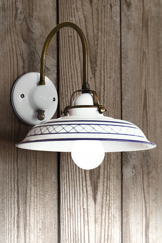 Applique à croisillons et liseré bleus style Provence porcelaine blanche. Aldo Bernardi.