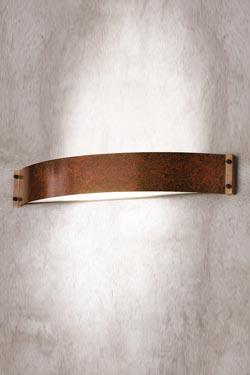 Applique en cuivre patiné forme bandeau. Aldo Bernardi.