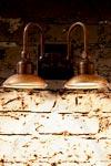 Applique murale extérieur double cuivre et laiton patiné support carré éclairage LED puissant. Aldo Bernardi.