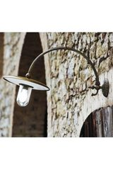 Large outdoor wall light in porcelain and patinated brass. Aldo Bernardi.