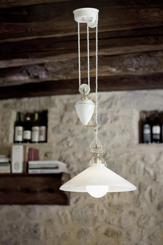 suspension style provence porcelaine blanche unie et contrepoids aldo bernardi luminaire de. Black Bedroom Furniture Sets. Home Design Ideas
