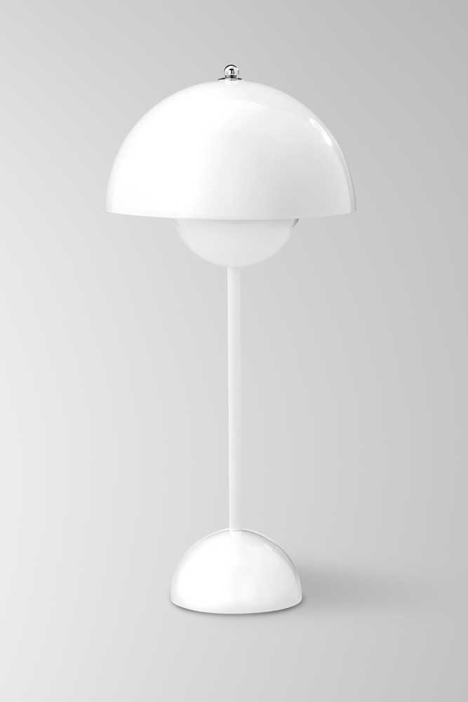 Flower Pot lampe droite blanche. & Tradition.