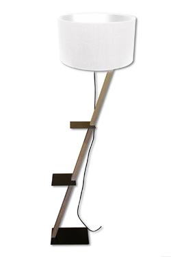 Grand lampadaire Zoé en bois brut. Angel des Montagnes.