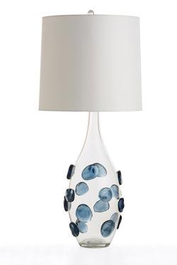 Grande lampe en verre transparent et pastilles bleues Edge . Arteriors.
