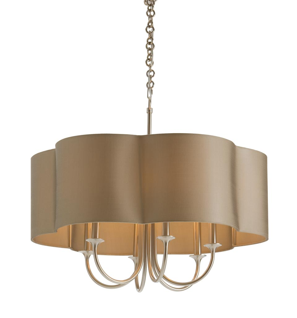Suspension en argent antique et large abat-jour beige Rittenhouse. Arteriors.