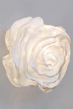 Applique tissu blanc forme fleur Nevo. Arturo Alvarez.