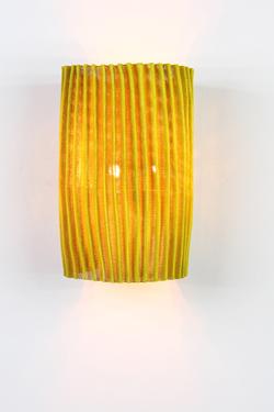 Gea  applique jaune en tissu plissé Simetech . Arturo Alvarez.
