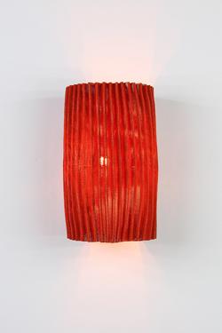Gea applique rouge en tissu plissé Simetech. Arturo Alvarez.