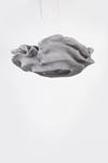 Grande suspension fleur grise en tissu Simetech Nevo. Arturo Alvarez.
