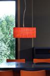 Grande suspension rouge en verre opaque Curvas . Arturo Alvarez.