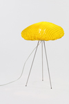 Lampe de table jaune en tissu Simetech  Tati . Arturo Alvarez.
