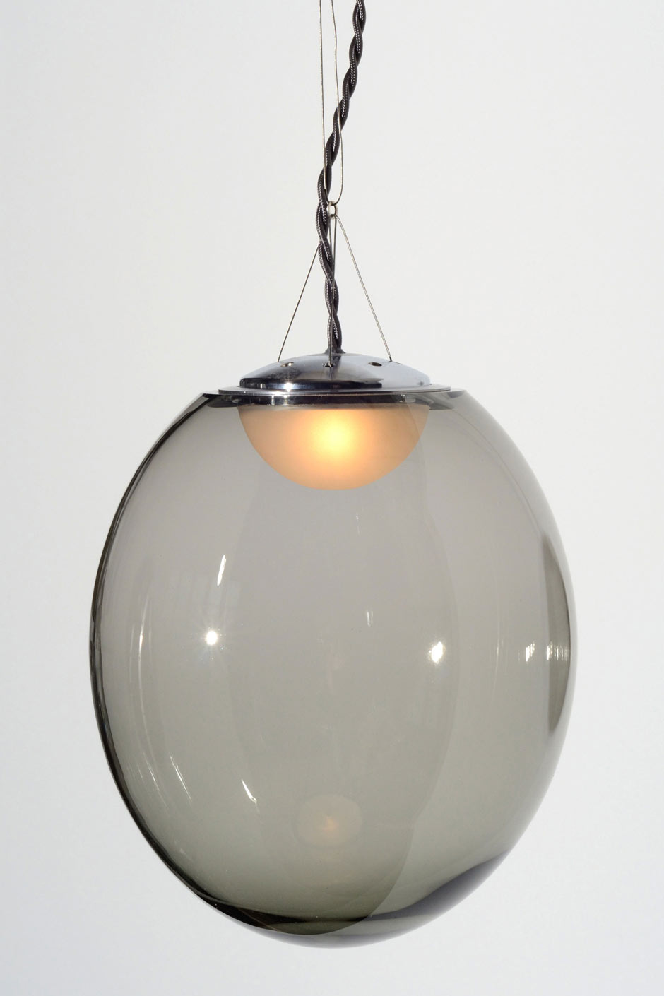 Gris suspension boule cristal souffl transparent gris for Suspension boule verre