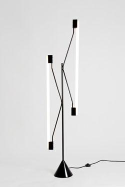 Lampadaire Tubes noir, 2 lumières. Atelier Areti.