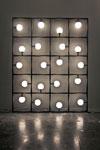 Applique tableau à poser contre un mur Squares LED. Atelier Areti.