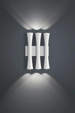 Applique triple en métal laqué blanc . Baulmann Leuchten.