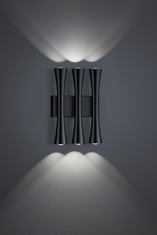 Applique triple en métal noir mat. Baulmann Leuchten.