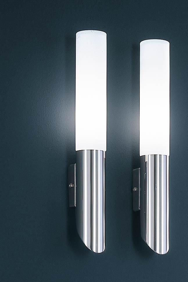 Grande applique cylindrique chrome et verre dépoli. Baulmann Leuchten.