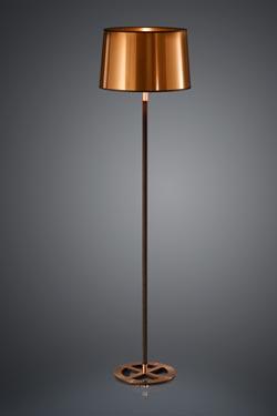 Lampadaire noir avec abat-jour en feuille de cuivre cylindrique. Baulmann Leuchten.