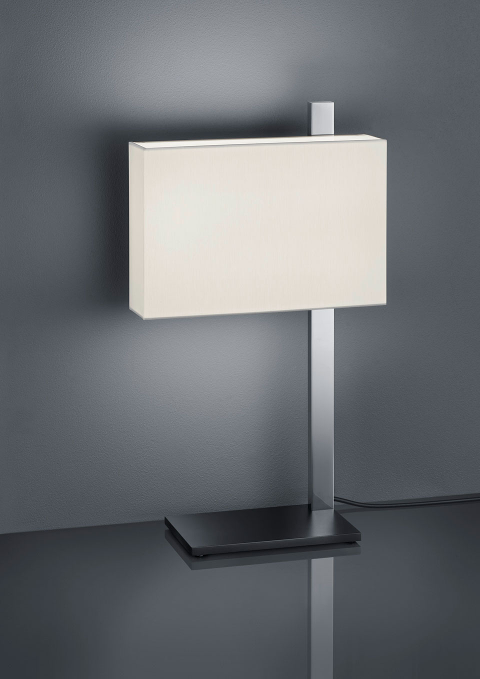 Lampe de table éclairage LED, en nickel poli. Baulmann Leuchten.