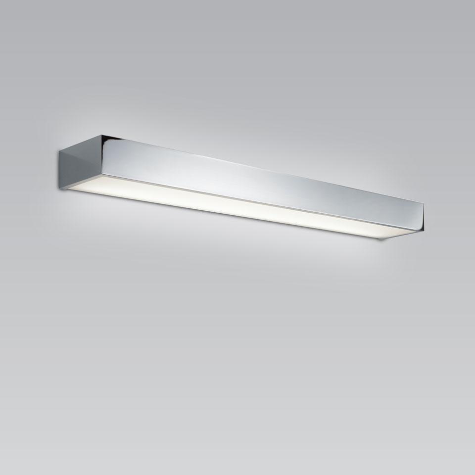 Applique de salle de bains chromée à éclairage LED Boxx 40cm par BPE ...
