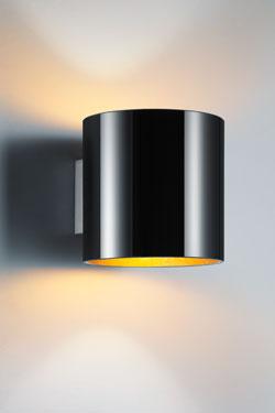 Applique noir intérieur doré en verre opale. bpe:LICHT.