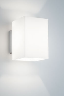 Applique rectangle en verre opale et éclairage LED . bpe:LICHT.