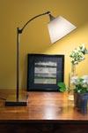 Lampe de table avec abat-jour blanc conique L116 <br/>. Casadisagne.