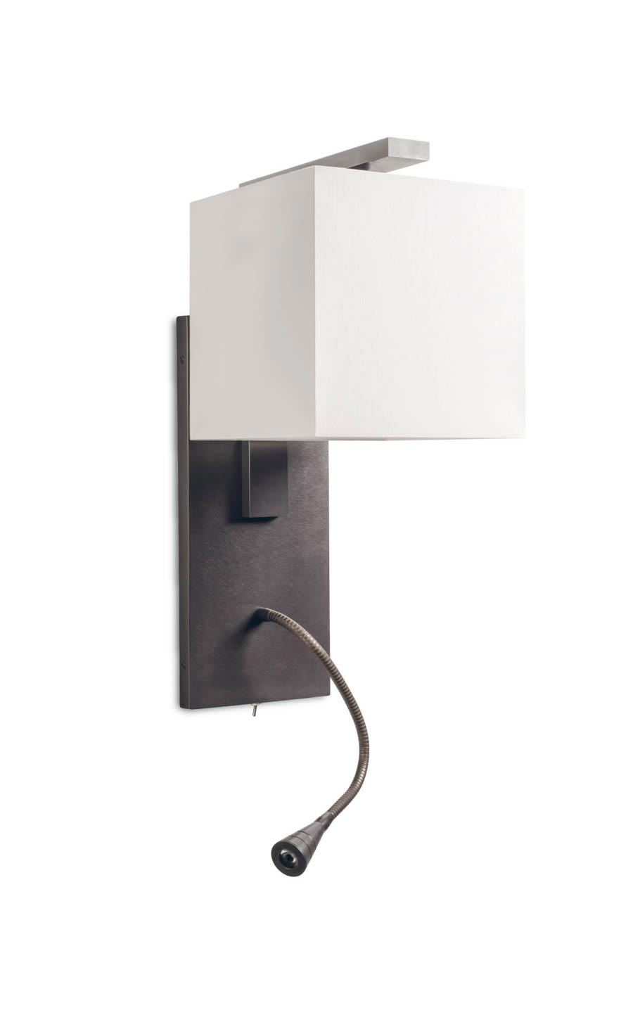 Patinated bronze wall and reading lamp AL107. Casadisagne.