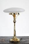 Lampe de table Art Nouveau en laiton brillant. Contract&More.