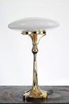 Art Nouveau table lamp in polished brass. Contract&More.