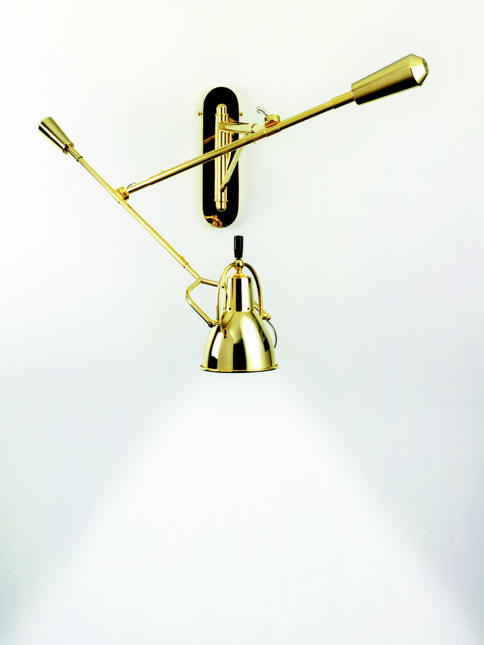 Large wall lamp E. Buquet in polished brass. Contract&More.