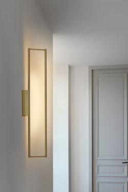 Applique LINK 725 rectangulaire en laiton satiné, éclairage LED . CVL Luminaires.