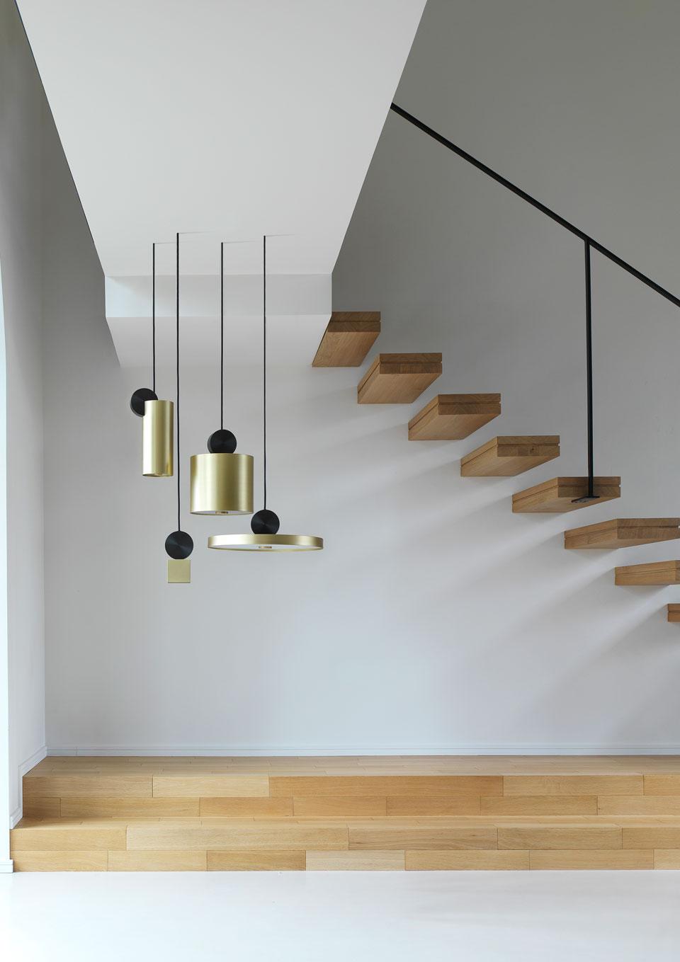 luminaires design suspension with luminaires design suspension trendy suspension vertigo. Black Bedroom Furniture Sets. Home Design Ideas