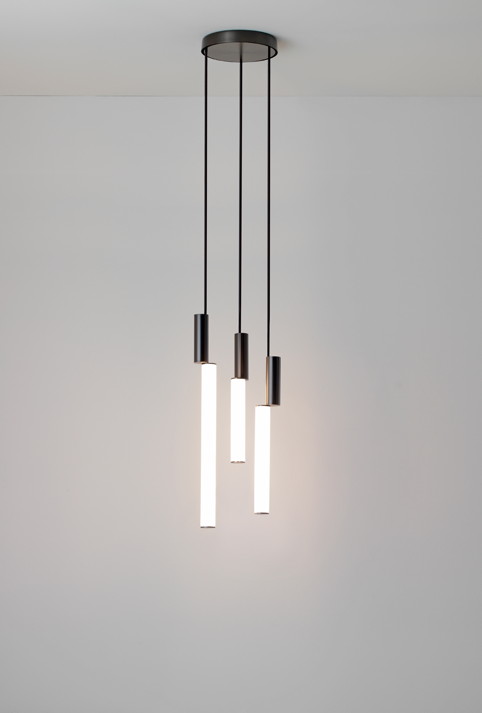 Vertical Pendant With Ful Led Lighting Graphite Metal