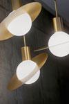 Petite suspension design très originale, Saturne. CVL Luminaires.