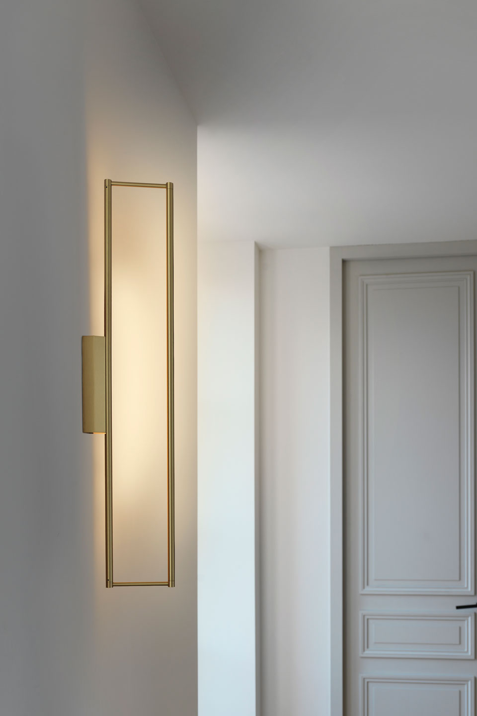 Rectangular Wall Lamp In Satin Br