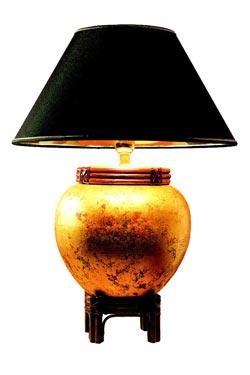 Lampe céramique peinte et abat-jour noir Daito. Estro.