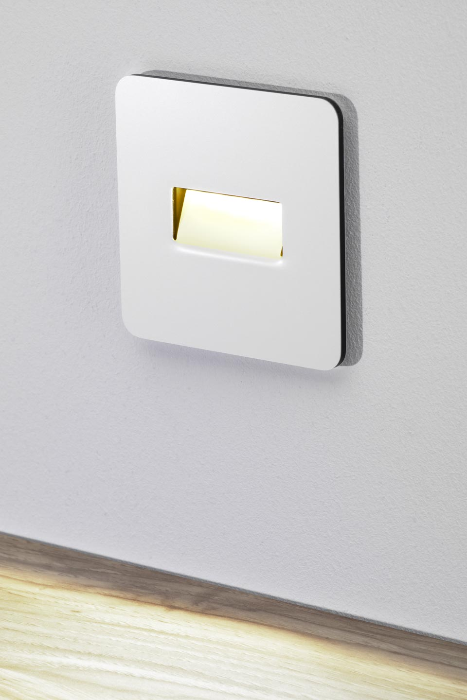 Antares balise lumineuse murale led blanche r f 13030013 - Eclairage led mural interieur ...
