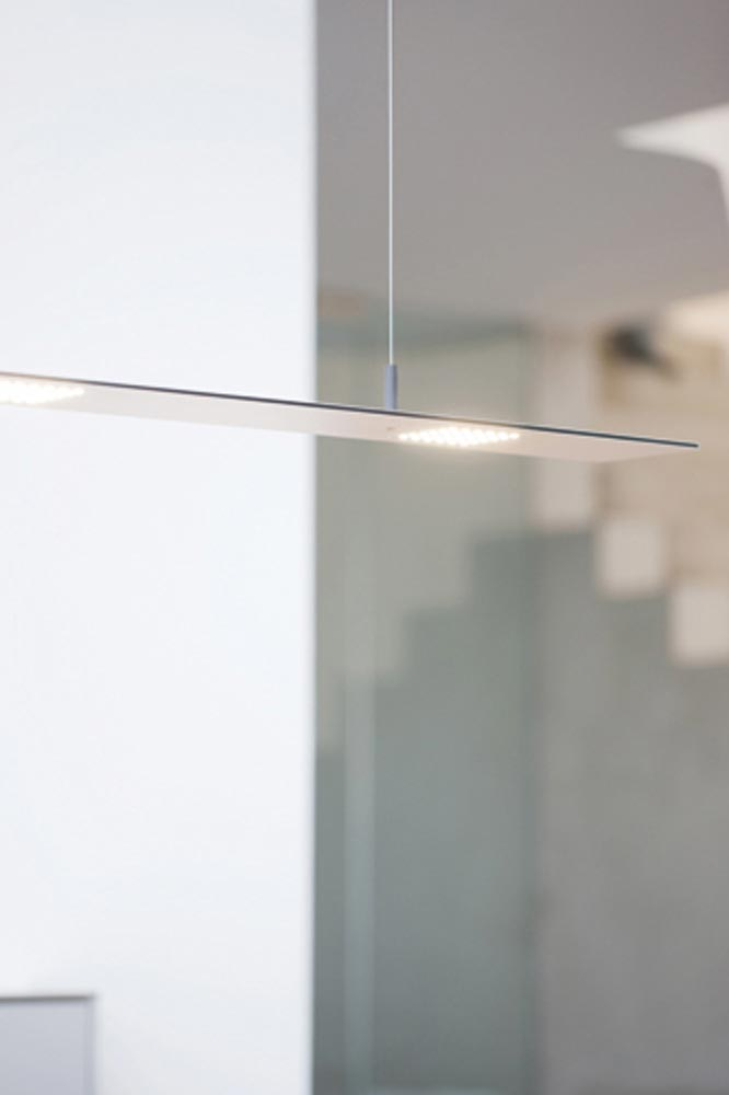 Blade suspension rectangulaire ultra-plate 120cm blanc mat. f-sign.