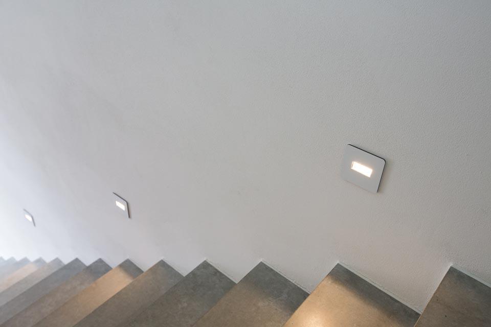 eclairage escalier led excellent eclairage escalier led. Black Bedroom Furniture Sets. Home Design Ideas