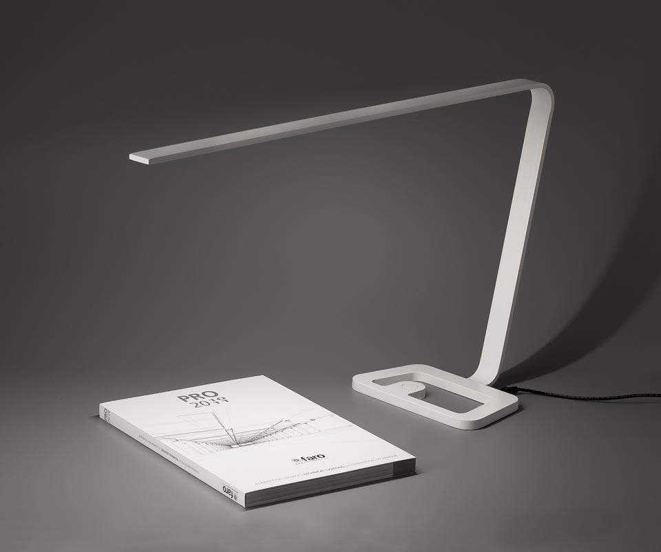 Yap white led designer desk lamp faro r f 11020252 - Lampe de bureau led ...