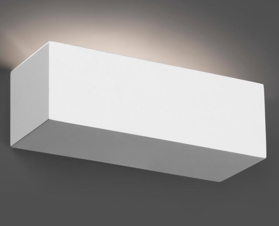 Eaco 1 rectangular white plaster wall light. Faro.