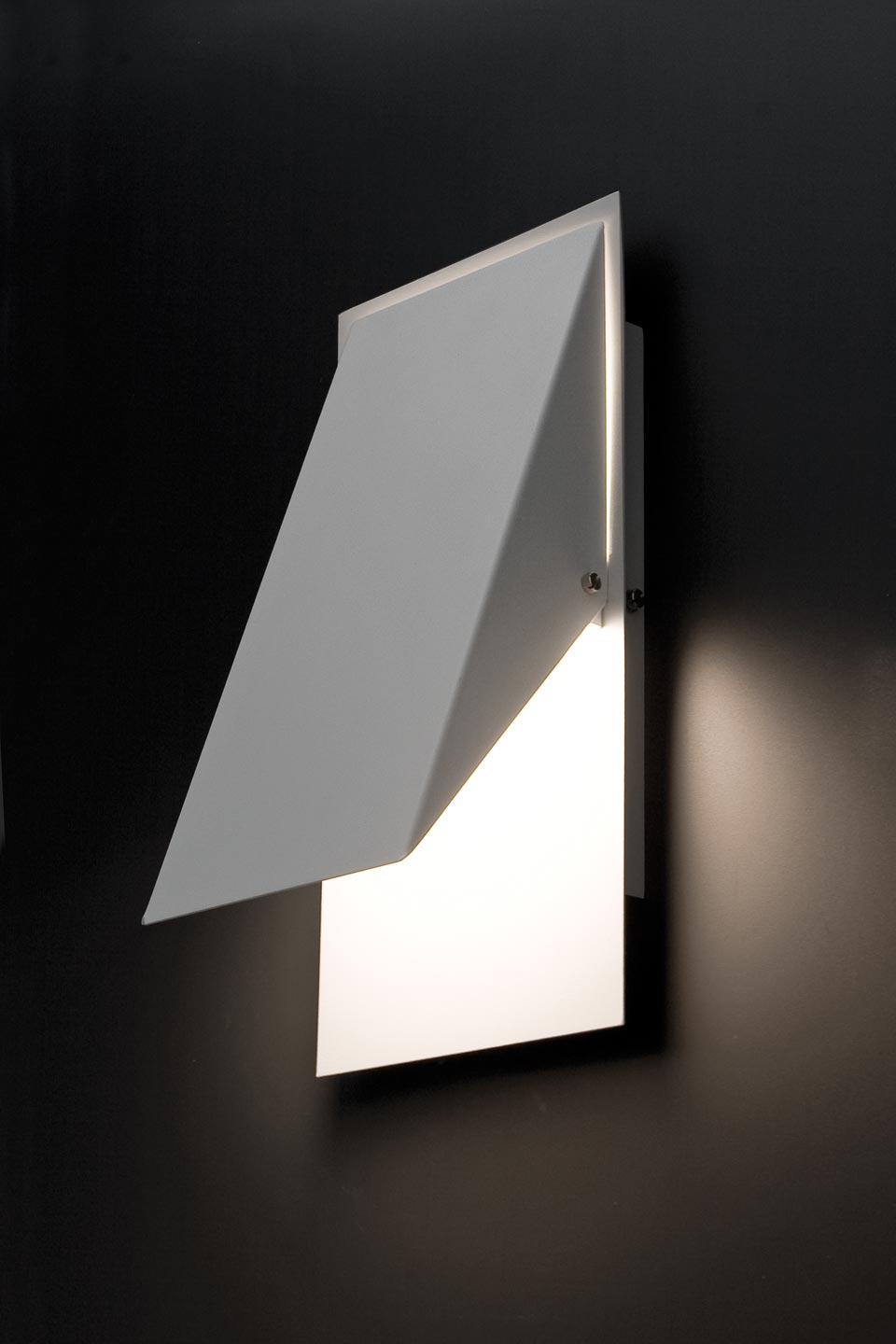 Homs designer white 3-position wall light. Faro.