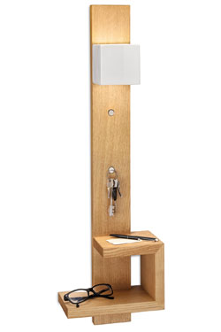 Applique étagère en bois clair et céramique blanche Mateca. Ferroluce.