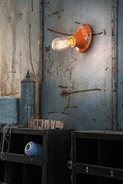 Applique minimaliste C115 orange. Ferroluce.